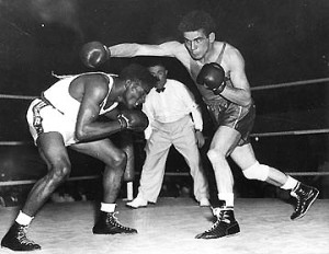 Omar TEBBAKHA face à Floyed Patterson JO HELSINKI - 1952